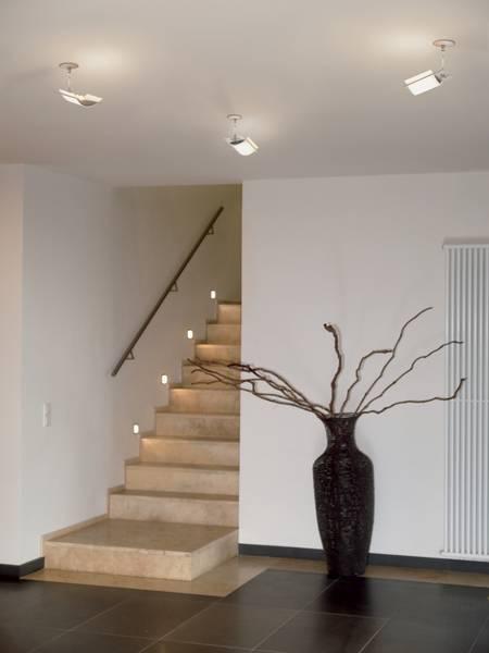 Wie Eine Kluge Beleuchtung Unfalle Im Treppenhaus Vorbeugt